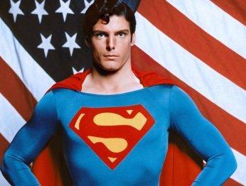 Классические костюмы Бэтмена и Супермена продают с аукциона