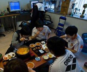 Корейских киберспортсменов начнут принимать на учебу без конкурса