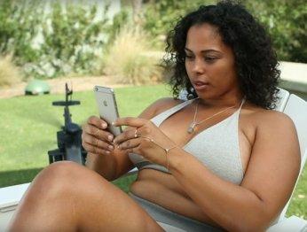 Из-за объективации женщин заблокировали рекламу игры Mobile Strike