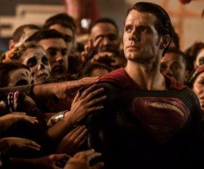Зак Снайдер подтвердил теорию фаната о связи фильмов киновселенной DC