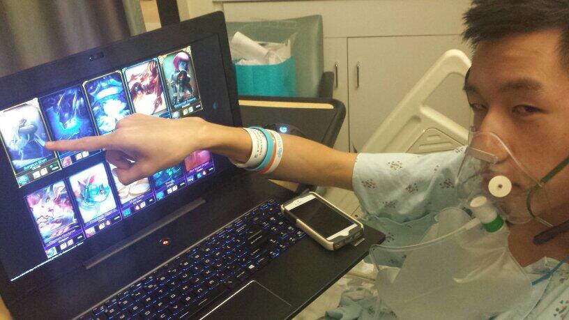 Киберспортсмен вел трансляцию League of Legends из больничной палаты - Изображение 1