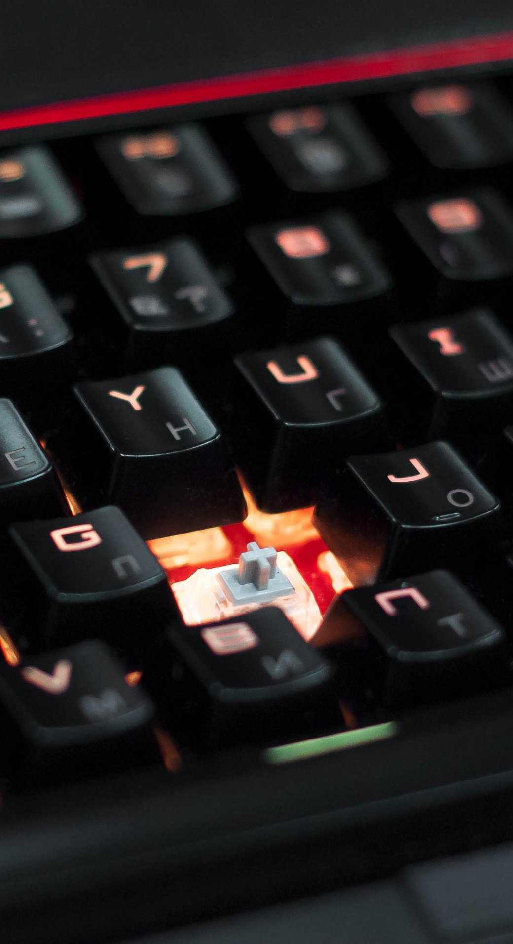 Что внутри игрового ноутбука MSI стоимостью сподержанную иномарку?. - Изображение 9