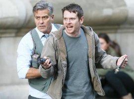 Джорджа Клуни обвешали взрывчаткой в трейлере «Финансового монстра»