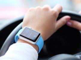 ВГосдуме обсуждают введение штрафа заиспользование «умных» часов зарулем