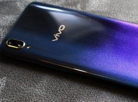 Концептуальный смартфон Vivo APEX 2019 показался напервом фото
