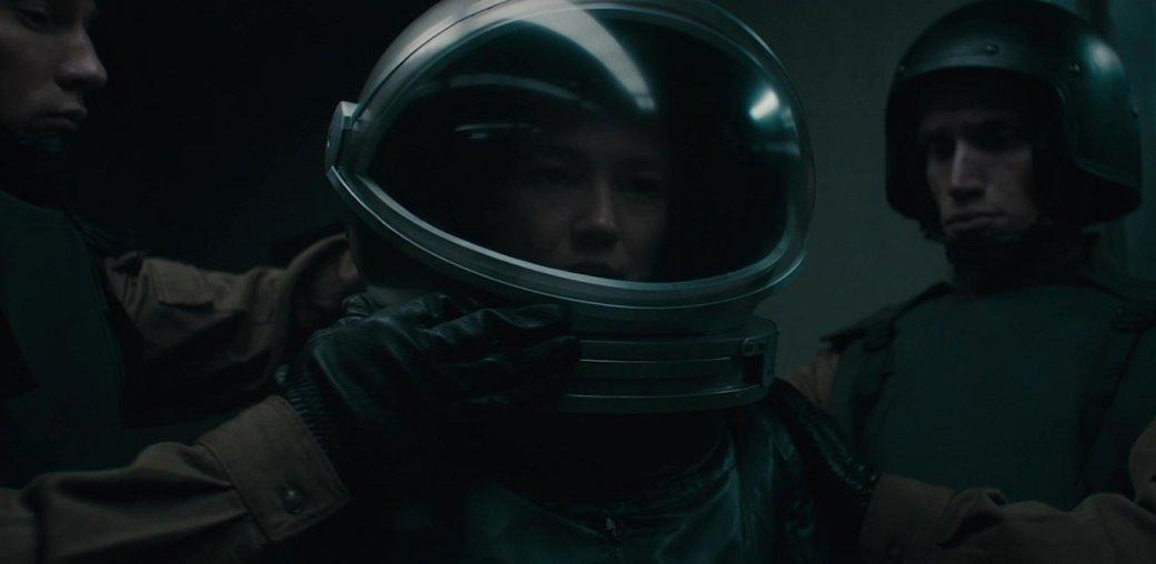 Рецензия на российский sci-fi фильм «Спутник». Что будет, если Веном придет к Чужому выпить водки