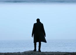 Противостояние человека истихии вновом клипе Brooding Майка Шиноды. Концерт вМоскве уже скоро