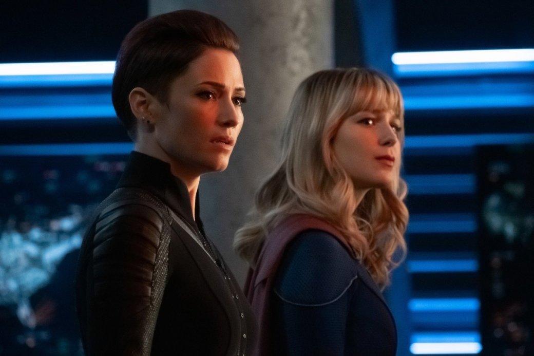 Супергерои собрались вместе на новых кадрах из «Кризиса на Бесконечных Землях»   Канобу - Изображение 4174