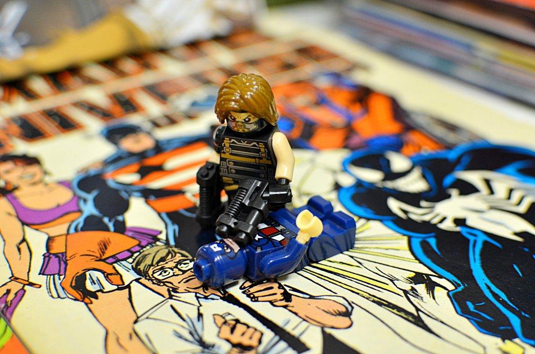 Топ-модель по-русски: «Канобу» устраивает фотосессию LEGO-супергероям | Канобу - Изображение 5554