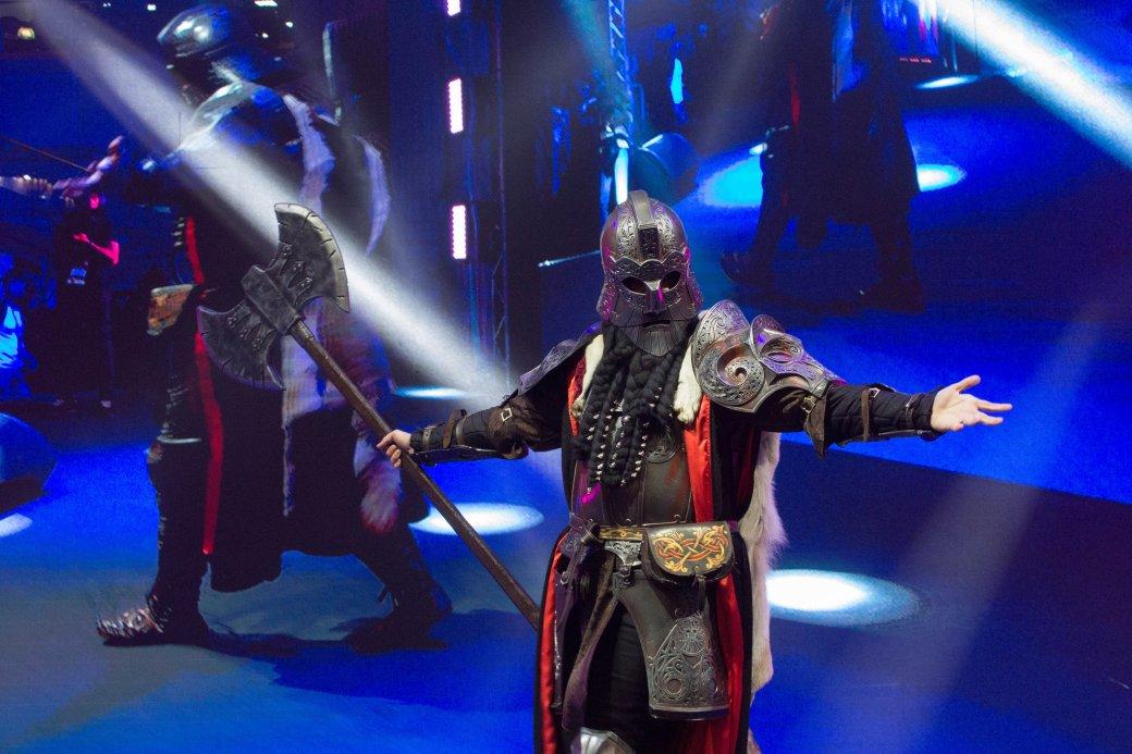 Dark Souls, «Ведьмак» и герои Marvel. Косплей наComic Con Russia и«Игромире» 2019 | Канобу - Изображение 11164